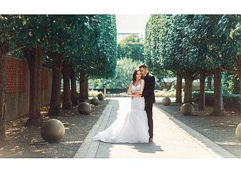 Aurora wedding photographer Roland Andrade Photography