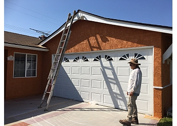 Anaheim painter Roman Pro Painting