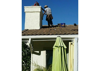 Oxnard roofing contractor Roque's Roofing, Inc.