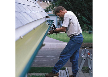 Boston gutter cleaner Roslindale Roofing and Gutters