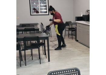 Riverside house cleaning service Roxanne's Cleaning Solutions