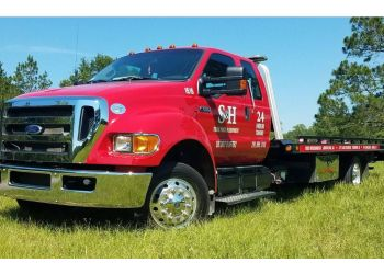 Mobile towing company S&H TOWING & RECOVERY