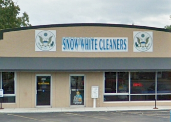 Toledo dry cleaner SNOW WHITE CLEANERS