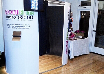 Irvine photo booth company SOCAL ELITE PHOTO BOOTHS