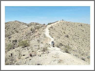 Phoenix hiking trail SOUTH MOUNTAIN PARK TRAIL