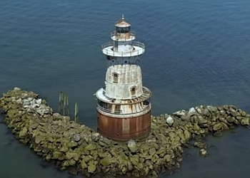 Stamford landmark STAMFORD HARBOR LEDGE LIGHT