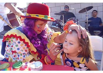 Fontana face painting SUSIE Q THE CLOWN