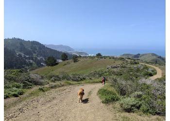 Daly City hiking trail SWEENEY RIDGE TRAIL