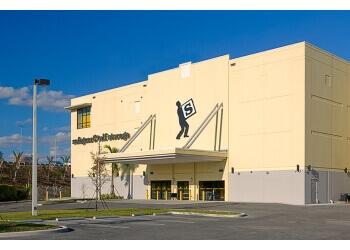 Miami storage unit Safeguard Self Storage & 3 Best Storage Units in Miami FL - ThreeBestRated