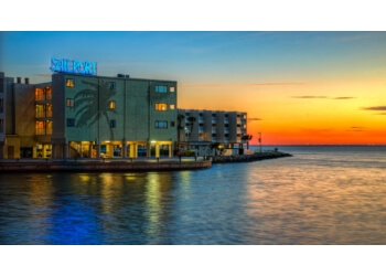 Tampa hotel Sailport Waterfront Suites