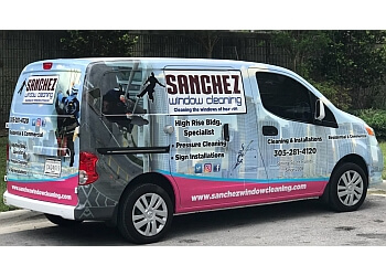 Hialeah window cleaner Sanchez Windows Cleaning