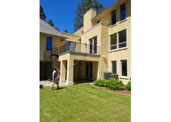 Spokane window cleaner Save Your Glass Window Cleaning