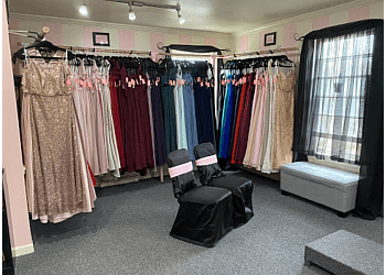 Milwaukee bridal shop Savvy Bride