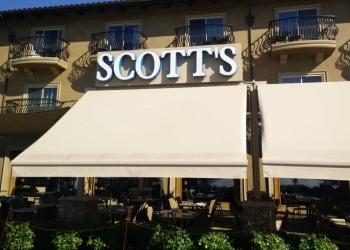 Sacramento seafood restaurant Scott's Seafood Grill & Bar