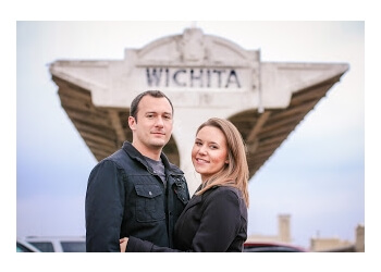 Wichita wedding photographer Scrappy Bee Photography