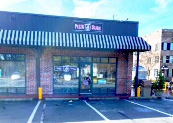 Savannah pizza place Screamin' Mimi's
