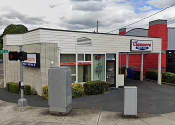 Salem dry cleaner Seamster Cleaners