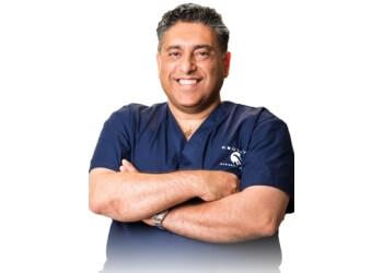 Lancaster plastic surgeon Sean Younai, MD