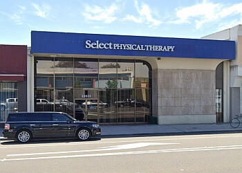 Hayward physical therapist Select Physical Therapy