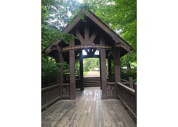 Milwaukee hiking trail Seven Bridges Trail