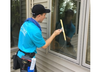 Minneapolis window cleaner Shack Shine Home Services Inc.