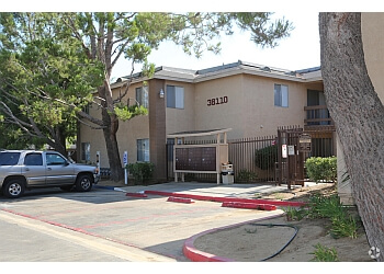 Palmdale apartments for rent  Shadow Springs