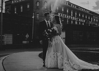 Springfield wedding photographer Shelby Chari Photography