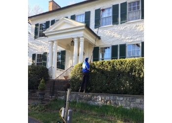 Alexandria window cleaner Shine Select Window Cleaning