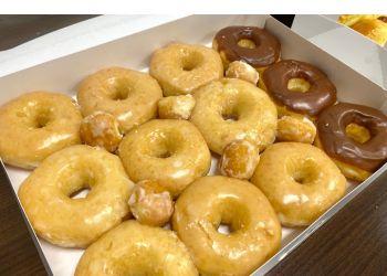 Irving donut shop Shin's Donuts