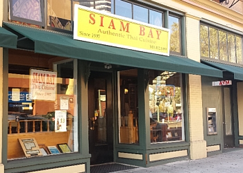 Oakland thai restaurant Siam Bay Authentic Thai Cuisine