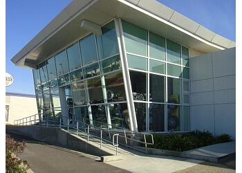Salinas window company Signature Glass & Windows, Inc.