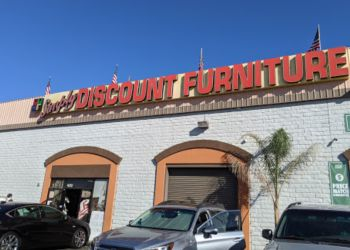Santa Clarita furniture store Simply Discount Furniture