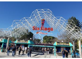 Six Flags Magic Mountain Santa Clarita Amusement Parks