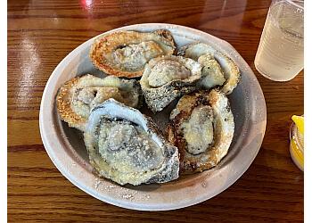 Tampa seafood restaurant Skipper's Smokehouse