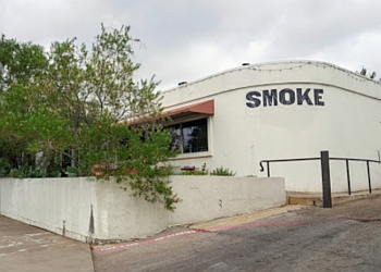 Dallas barbecue restaurant Smoke restaurant