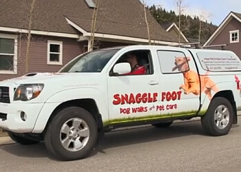 Baton Rouge dog walker Snaggle Foot