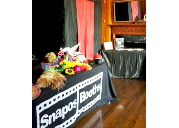 Columbus photo booth company Snapos Booths, LLC