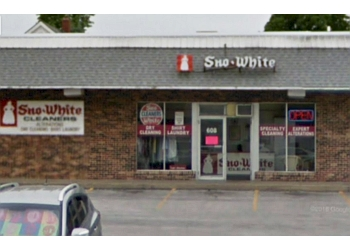 Springfield dry cleaner Sno-White Cleaners