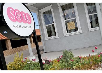 Reno nail salon Soak Nail Spa + Lounge