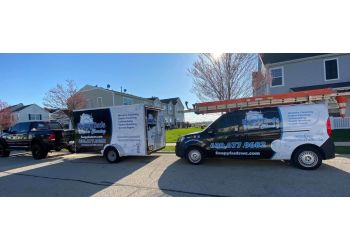 Naperville window cleaner Soapy Suds Services