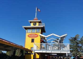 San Francisco amusement park Sonoma TrainTown Railroad