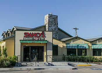 Houston pizza place Spanky's Homemade Pizza & Bar