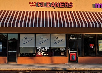 Hollywood dry cleaner Spic 'N Span Cleaners & Alterations