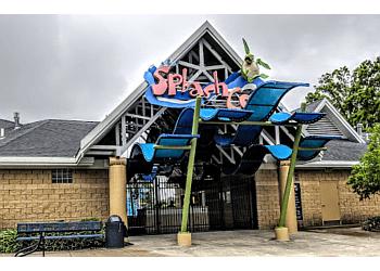 Kansas City amusement park Splash Cove