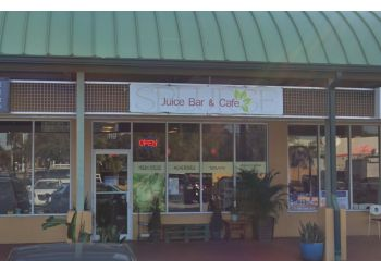 Hialeah vegetarian restaurant Splurge Juice Bar and Cafe