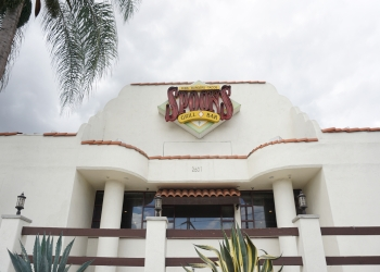 Santa Ana sports bar Spoons Grill & Bar