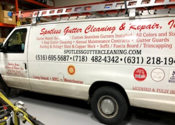 New York gutter cleaner Spotless Gutter Cleaning & Repair, Inc.