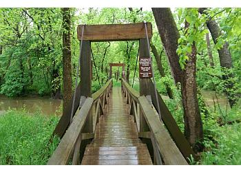 3 Best Hiking Trails In Springfield Mo Threebestrated