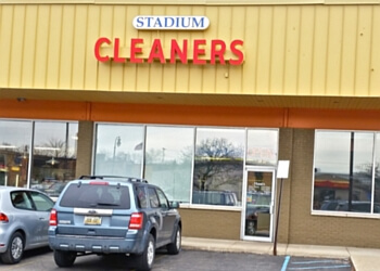Ann Arbor dry cleaner Stadium Cleaners