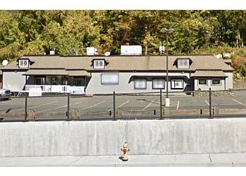 Waterbury sports bar Stadium Sports Bar & Grille